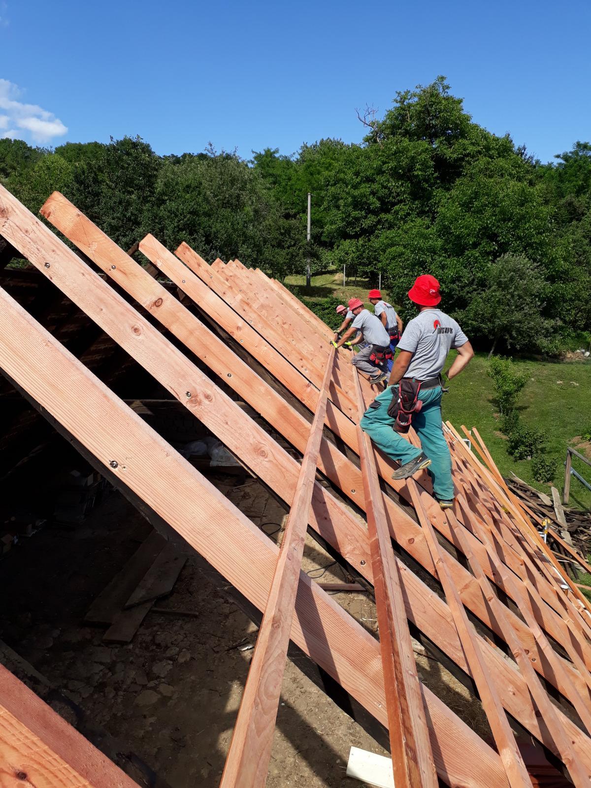 17e9c87ceb775 Tesárske práce na streche, altánku, terase, pergole